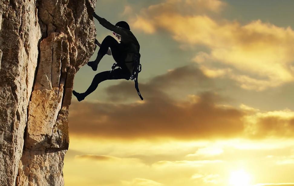mountain-climbing-wallpaper_therainydaywanderer